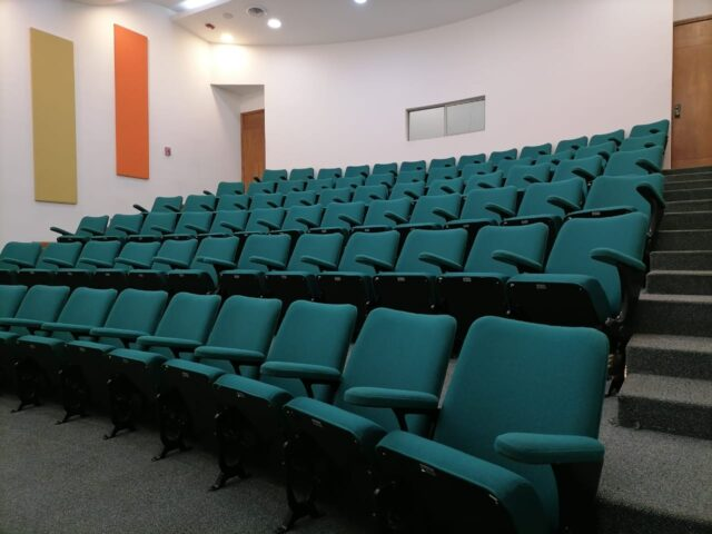 https://edificiocalle100.com.co/wp-content/uploads/2021/03/CALLE-100-Auditorio-640x480.jpg