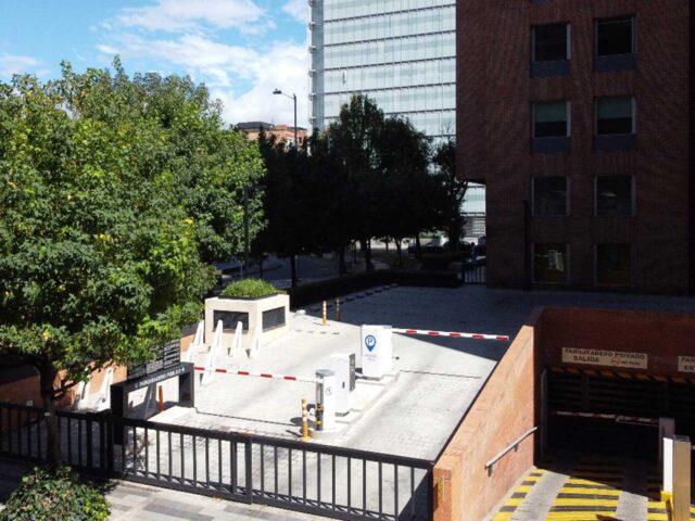 https://edificiocalle100.com.co/wp-content/uploads/2021/03/parqueadero-carrera-23-calle-100-640x480.jpg